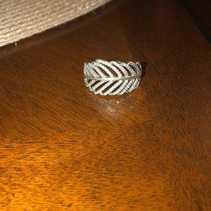 Pandora light as a feather ring 58(8.5) NWOT